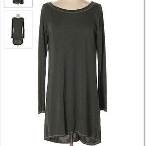 long-sleeve tunic / t-shirt dress